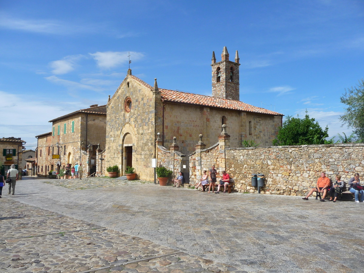Piazza Roma and Church of Santa Maria