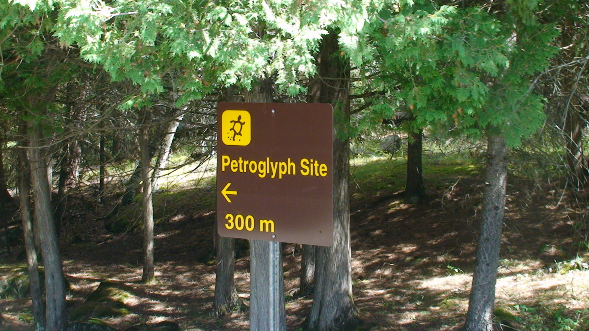 Sign directing us to Petroglyphs Provincial Park.