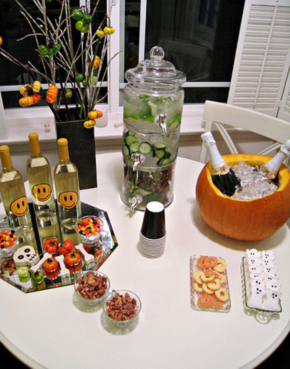 Halloween Drink Set Up