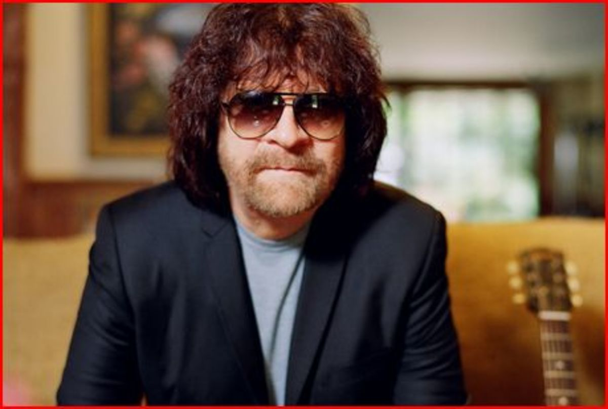 Jeff Lynne as he has been for decades with his trademark aviator glasses
