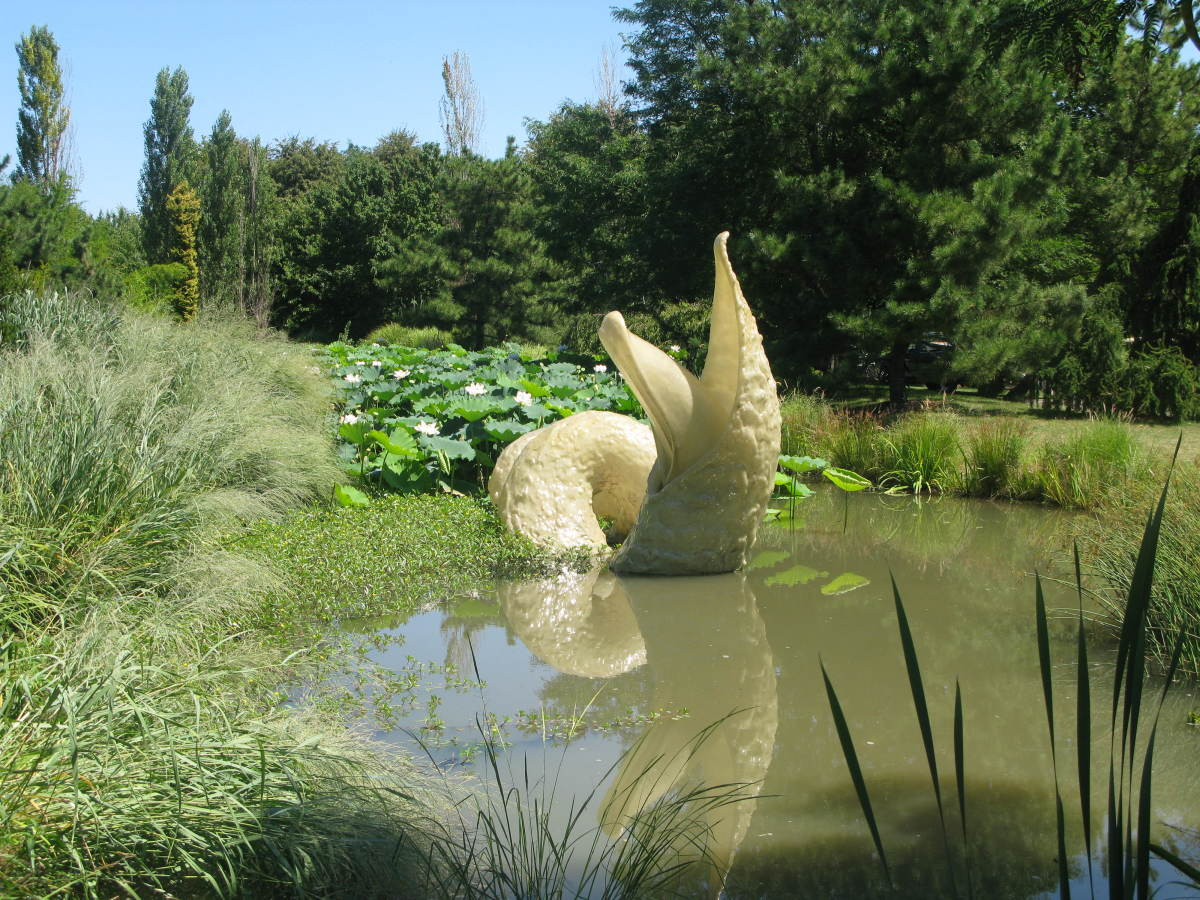 Places to visit in New Jersey: Grounds for Sculpture & Rat's Restaurant Review.