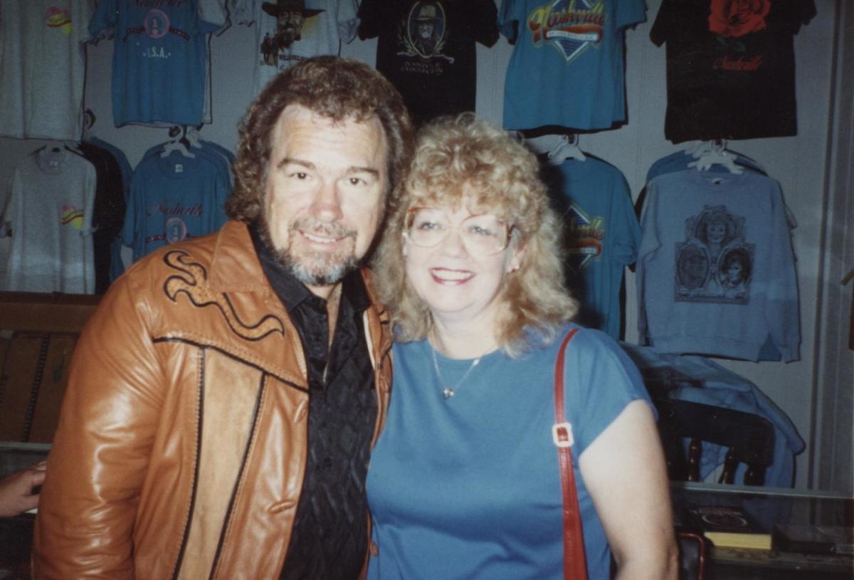 I had the pleasure of meeting and interviewing Gene Watson in Nashville in 1991.