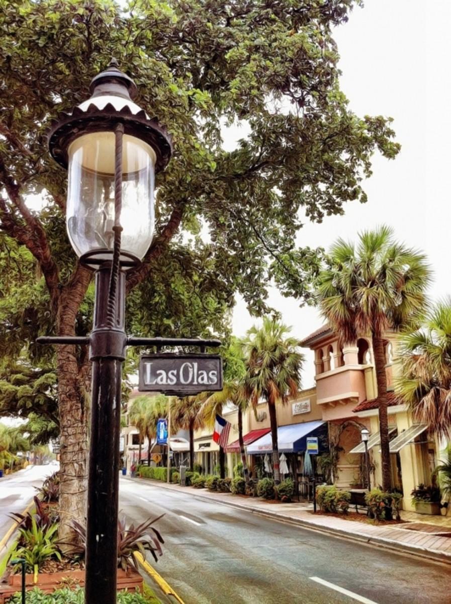 The beautiful, historic Las Olas Boulevard.
