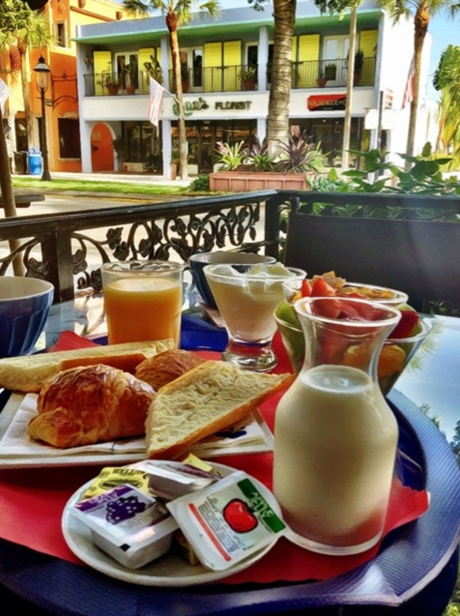 Breakfast at a sidewalk cafe on Las Olas Boulevard and people-watch.
