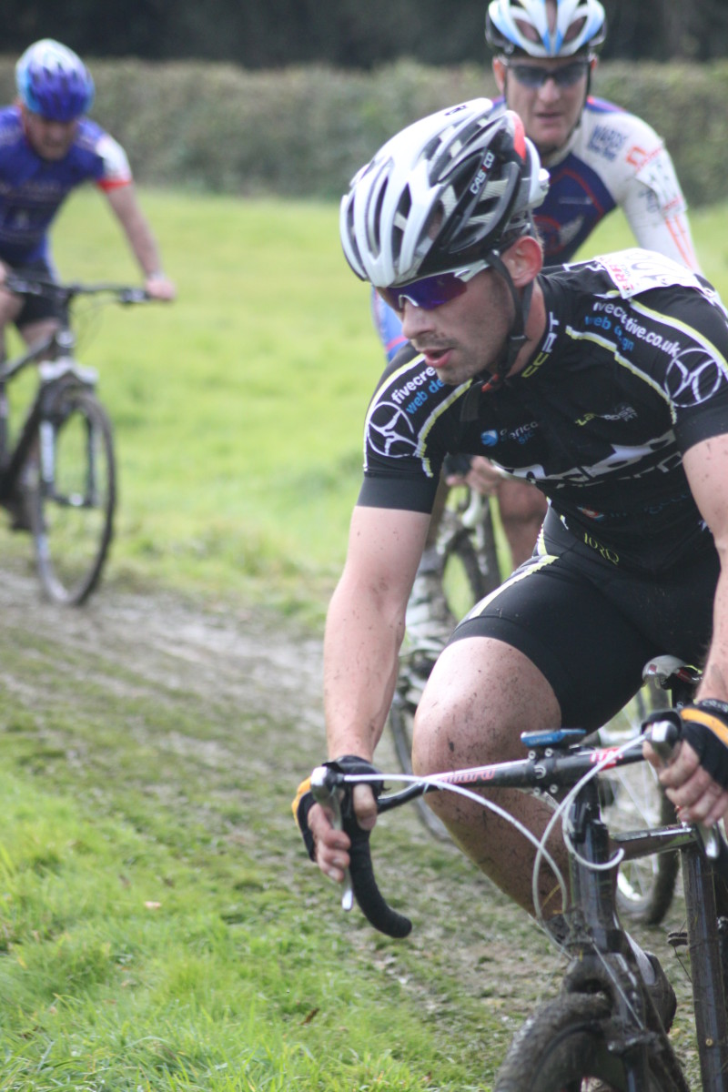 Carl Dyson of Clay Cross RT riding cantlevers on his cyclocross bike