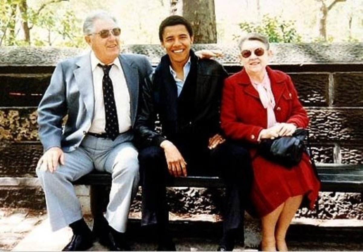 Original Photo of Barack Obama and Grandparents.