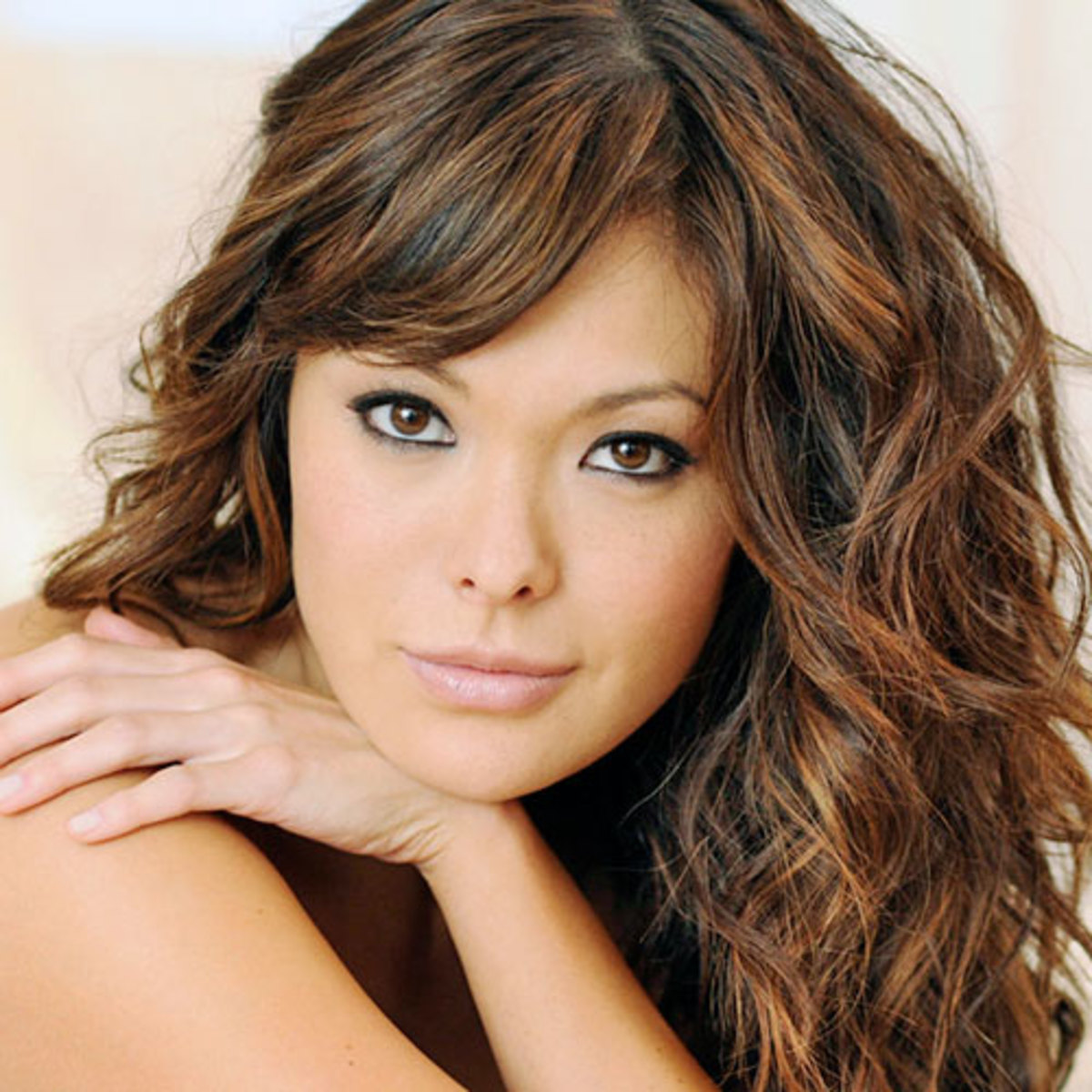 Lindsay Price with Highlights in Asian Hair