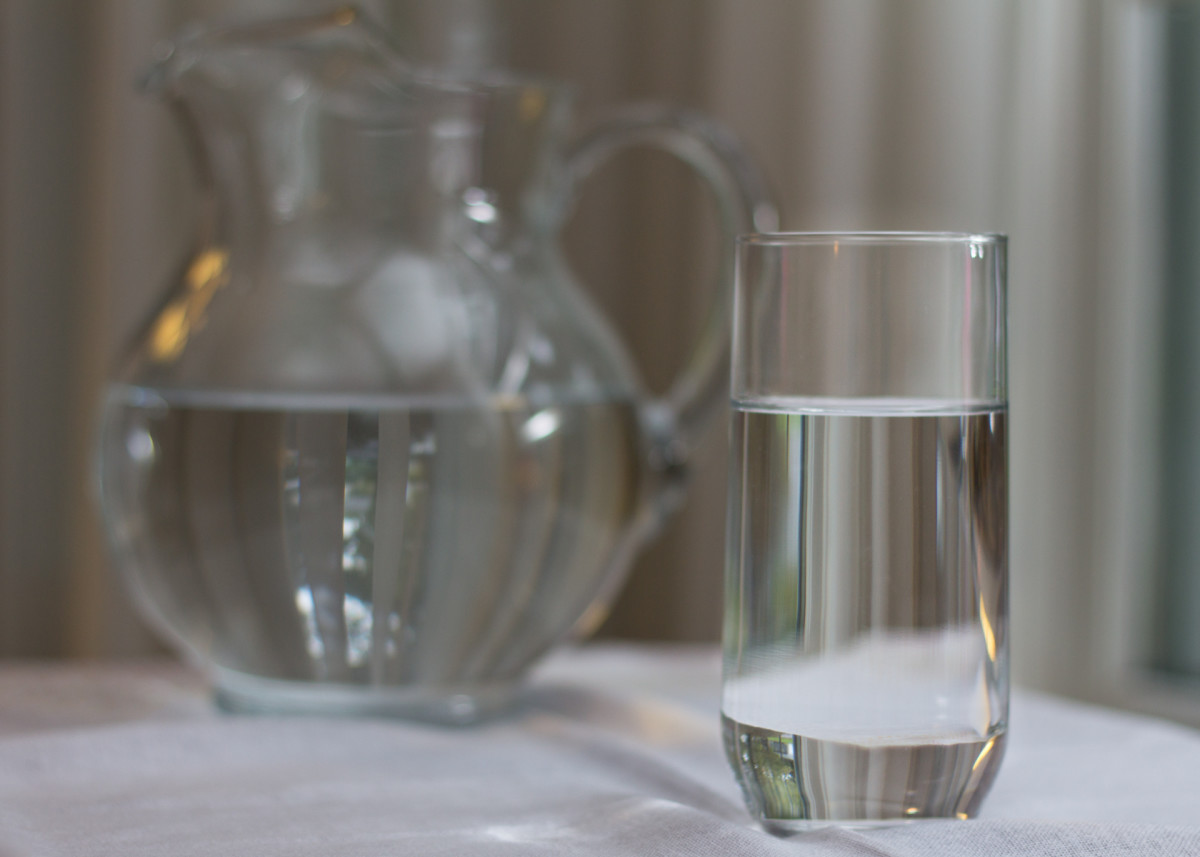 In the morning, drink a glass or two of water.