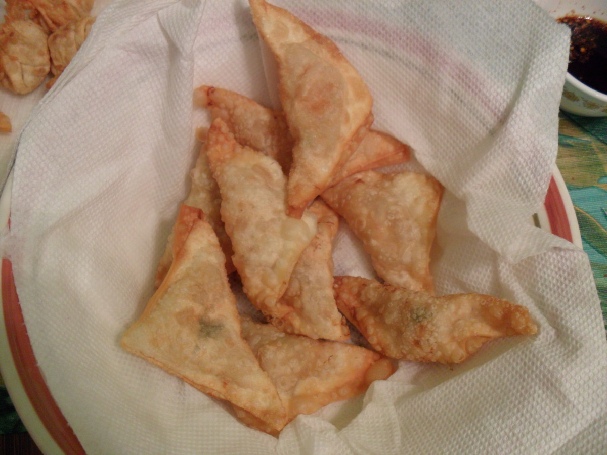 Fried or baked apple wontons.
