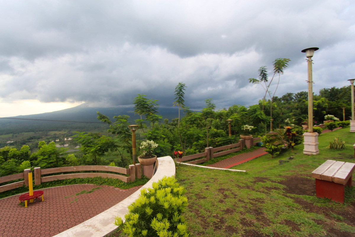 Lignon HIll is where you will be able to see the magnificence of Mt. Mayon not unless it's being covered by clouds
