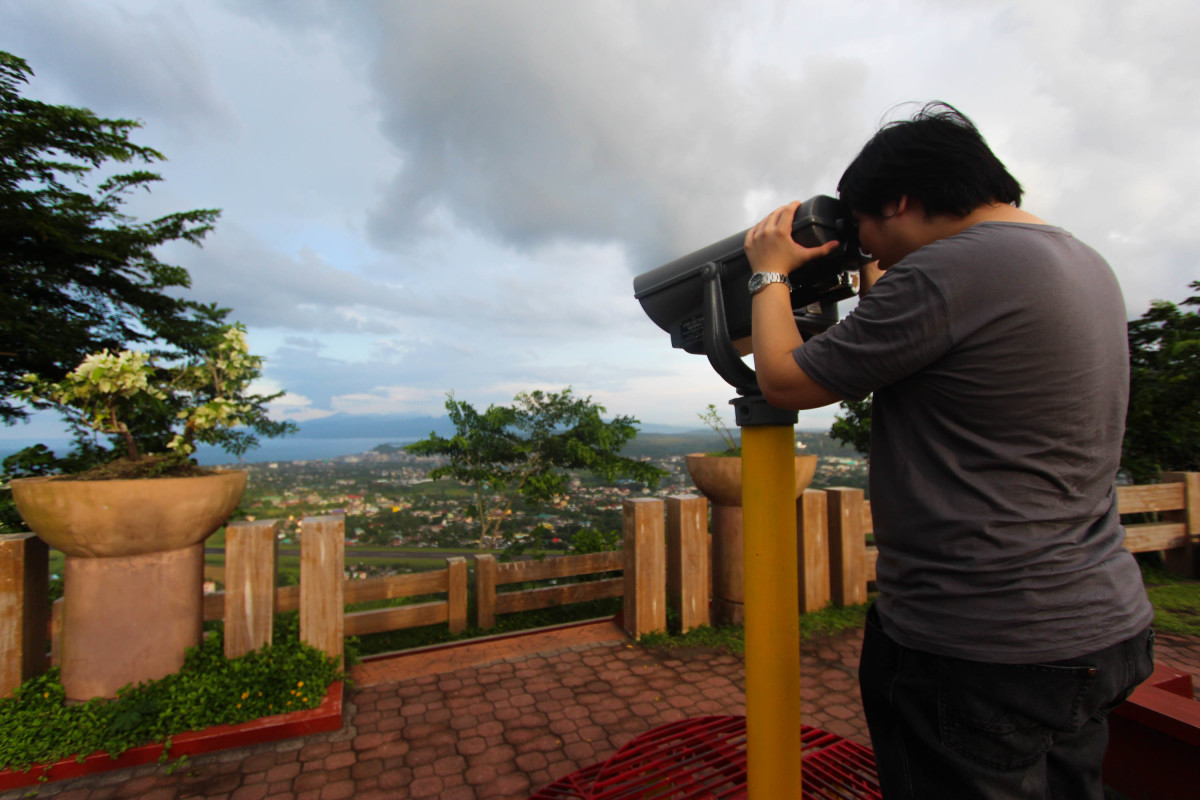 Magnify the fun: taking a closer look of the city and the Mt. Mayon