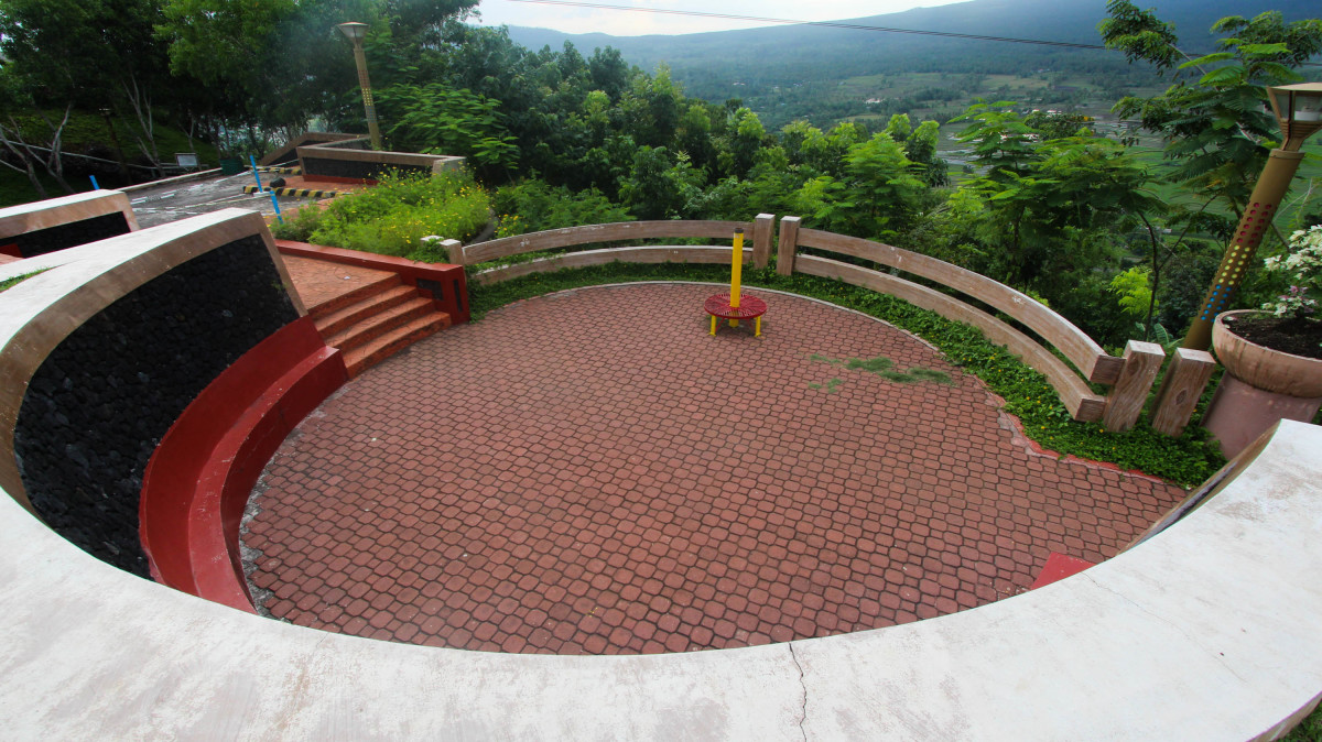 The beauty of Legazpi can be more appreciated in Lignon Hill!