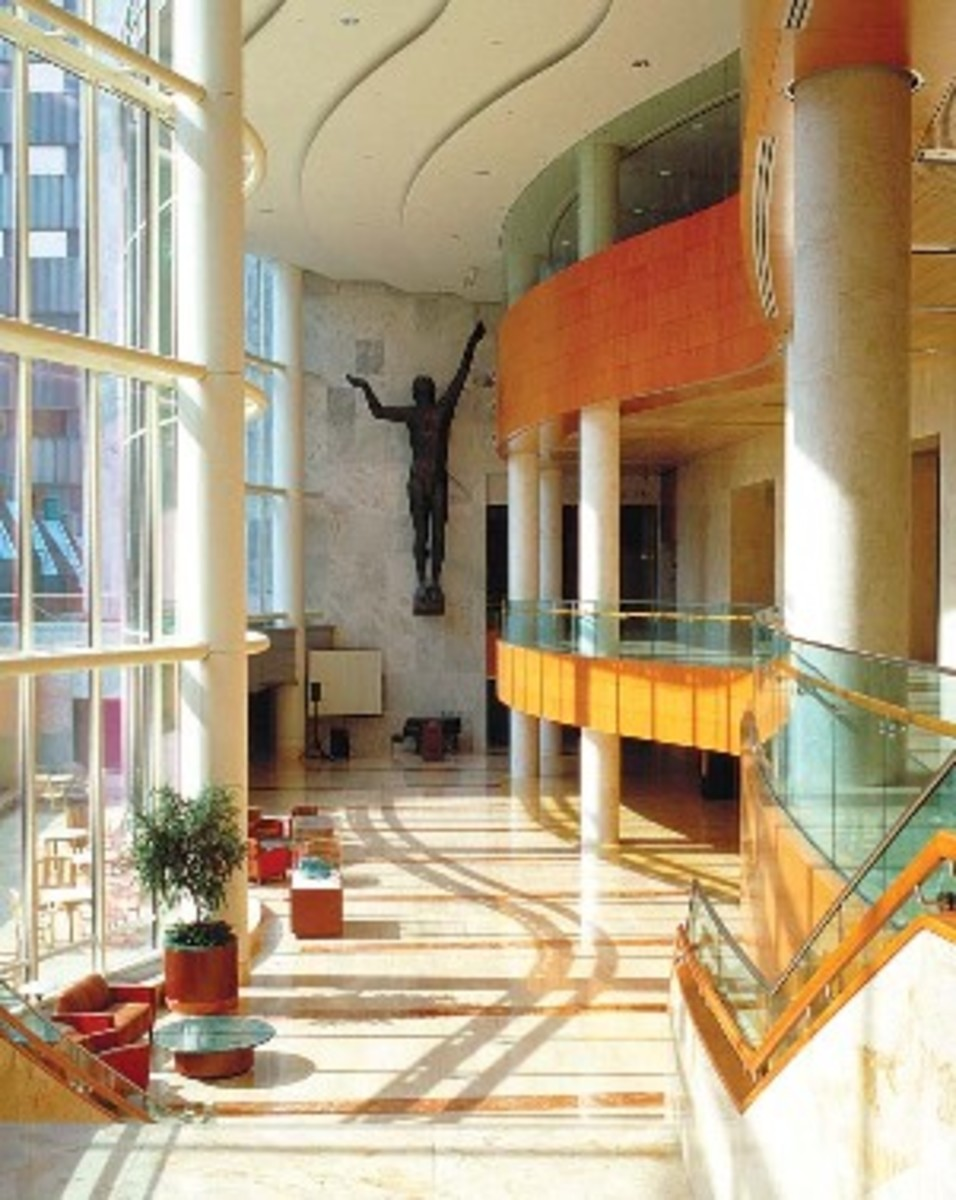 The Massive and Elegant Yet Functional Stairway of the Gonda Building - Mayo Clinic