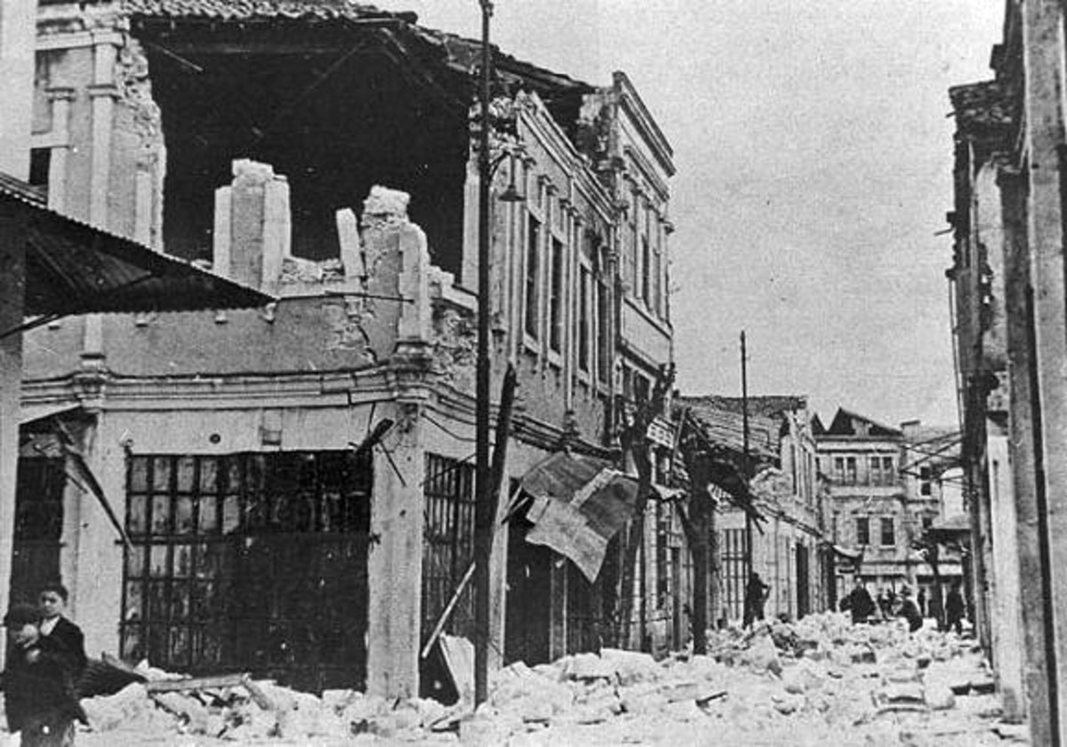 Scene following the 1939 Erzincan, Turkey earthquake.