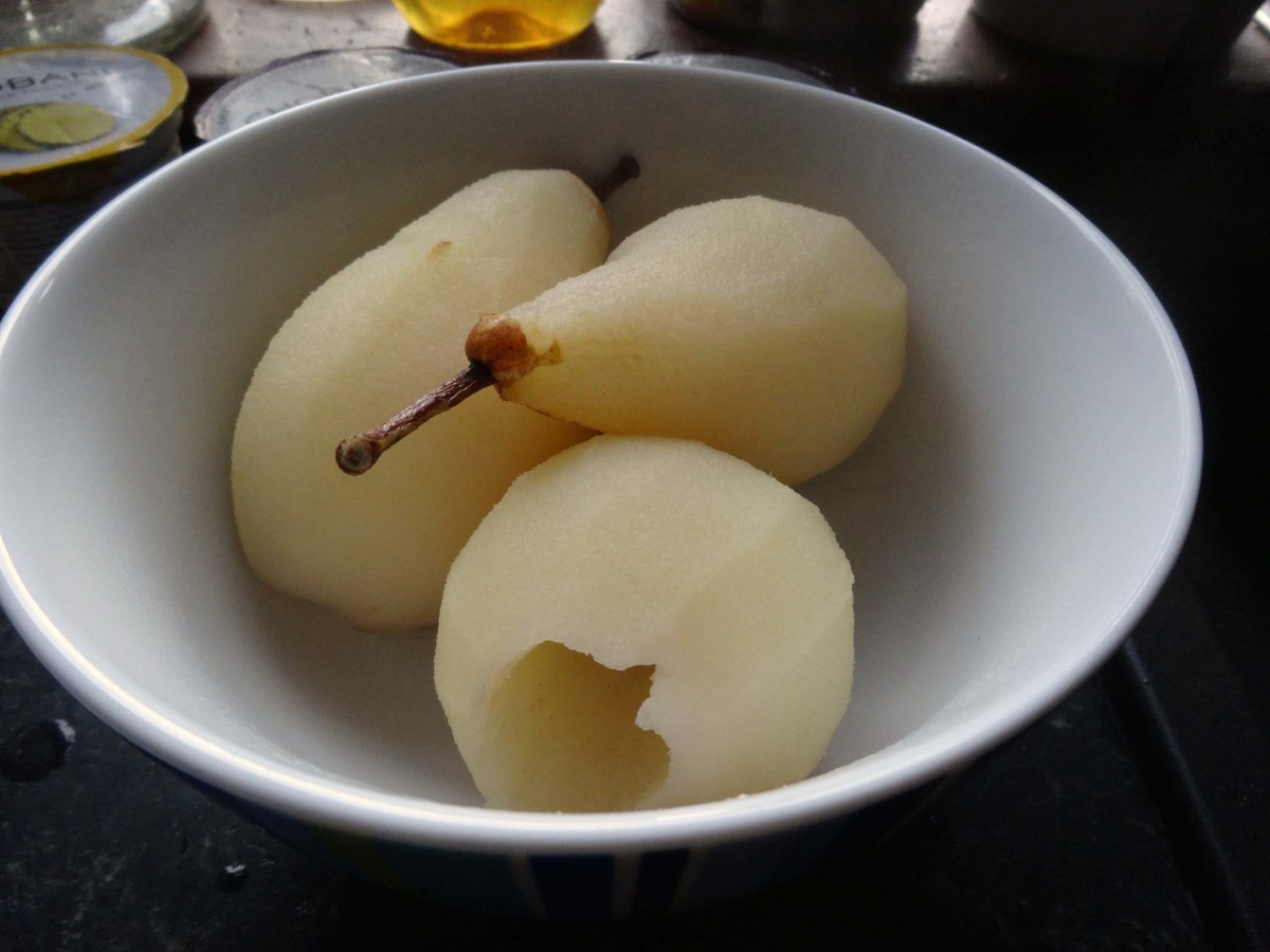 Pears left to cool before adding to the dessert dish with the other fruits.