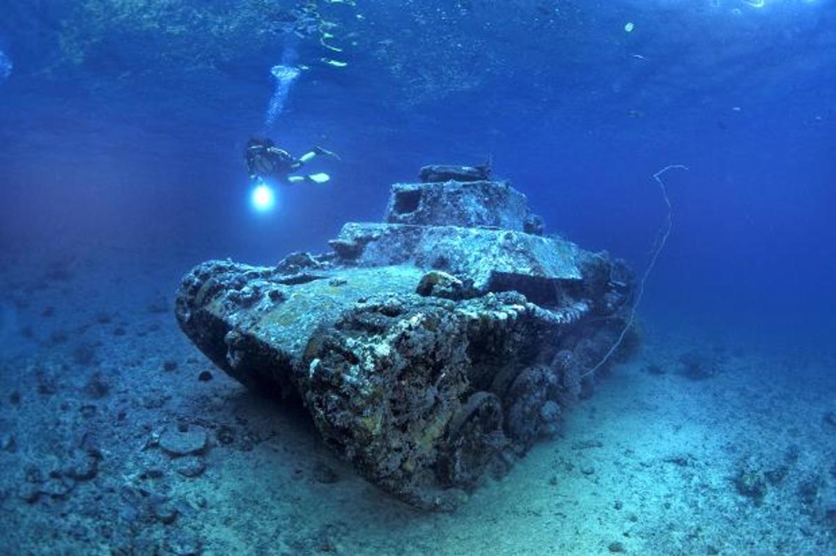 Japanese Tank in Makada
