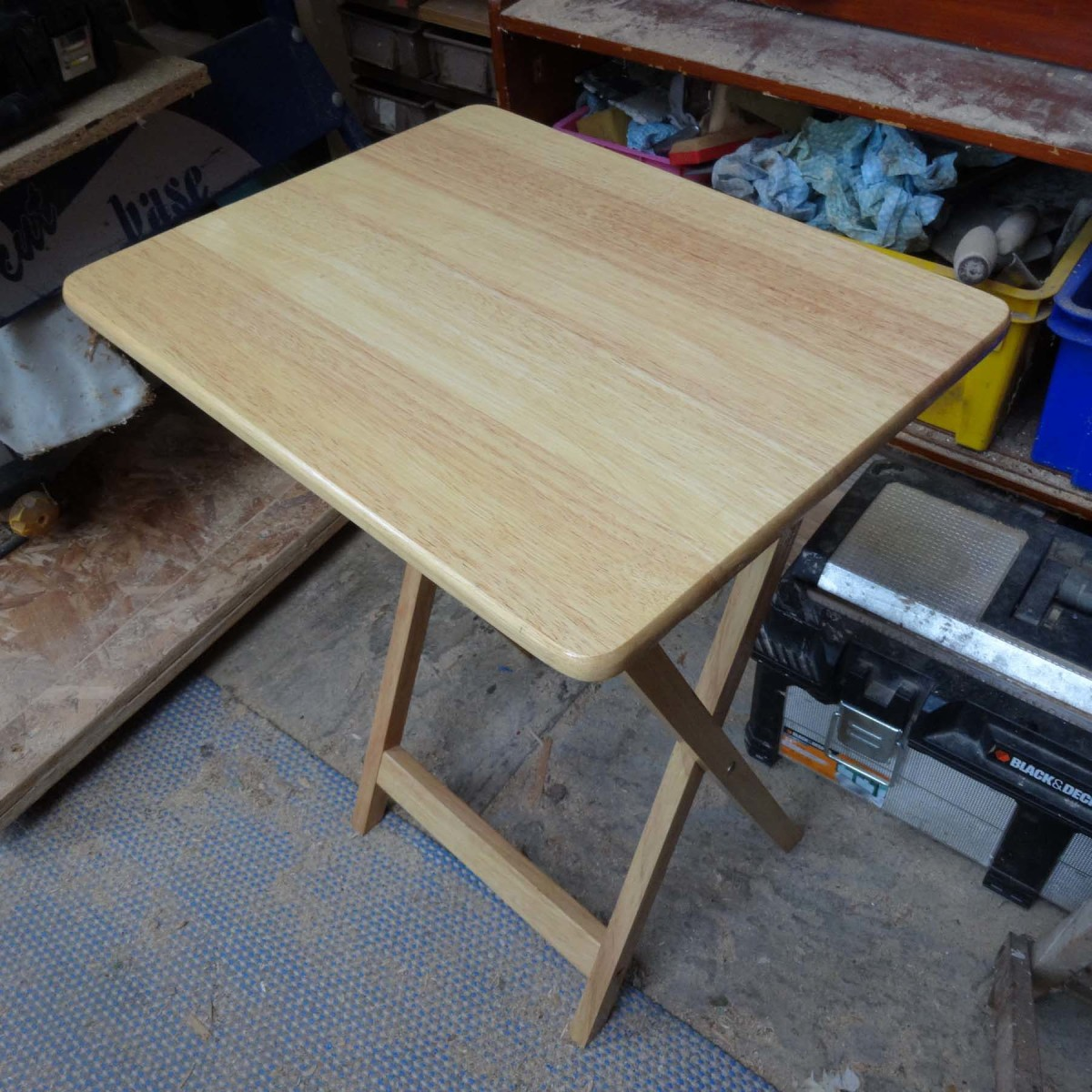 Making a Folding Table Stable