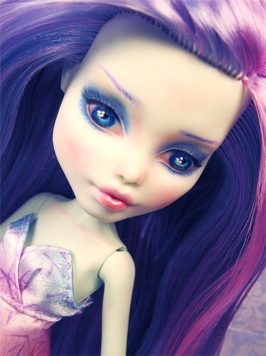 How to Repaint Monster High Dolls