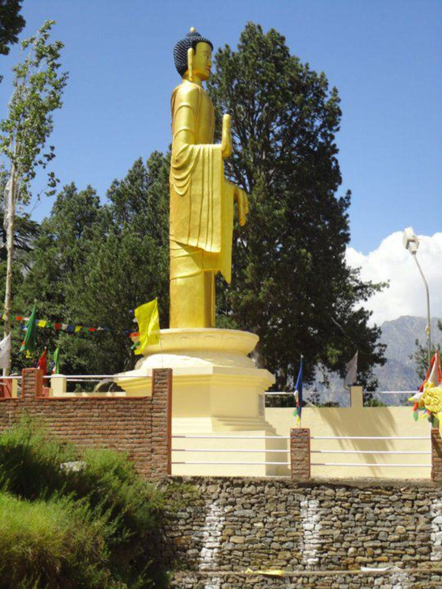 The statue of Buddha at Reckong Peo.