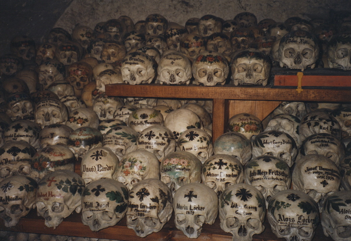 6-unusual-places-to-visit-for-necro-tourists