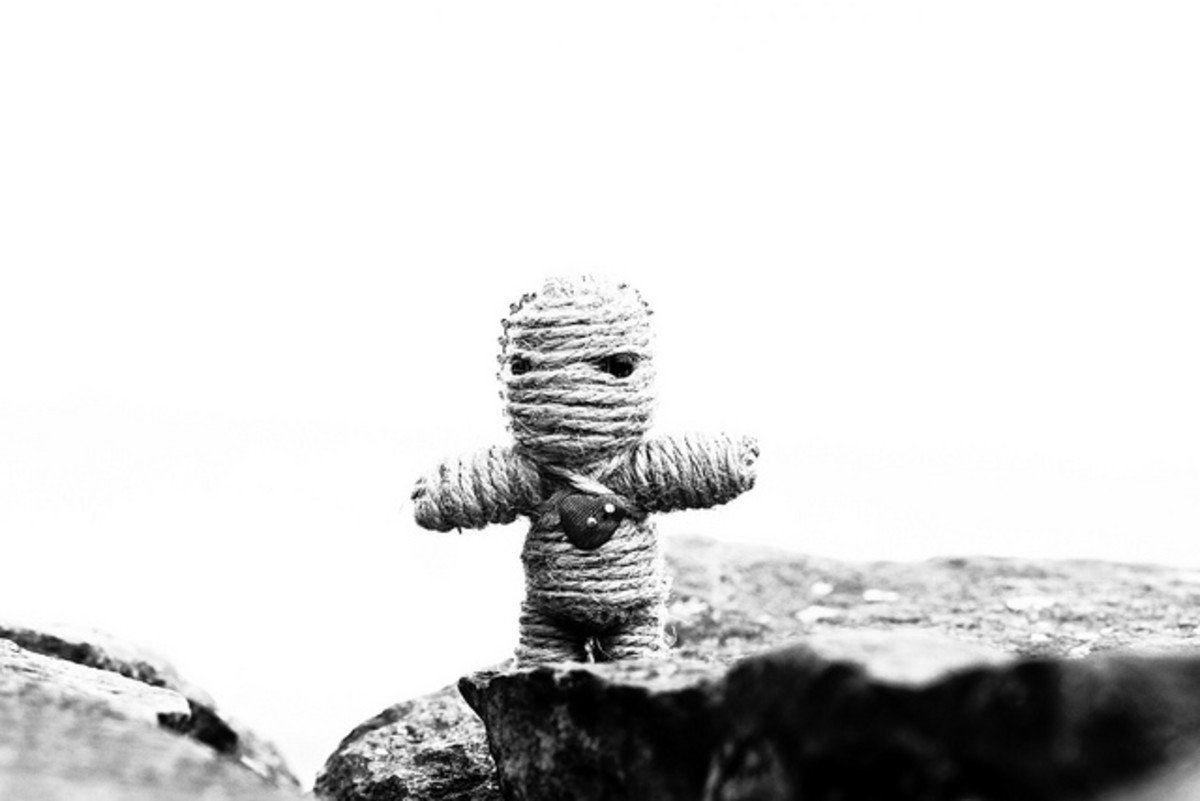 Voodoo dolls can be made using a variety of materials including wool, string, fabric, clay and wax.