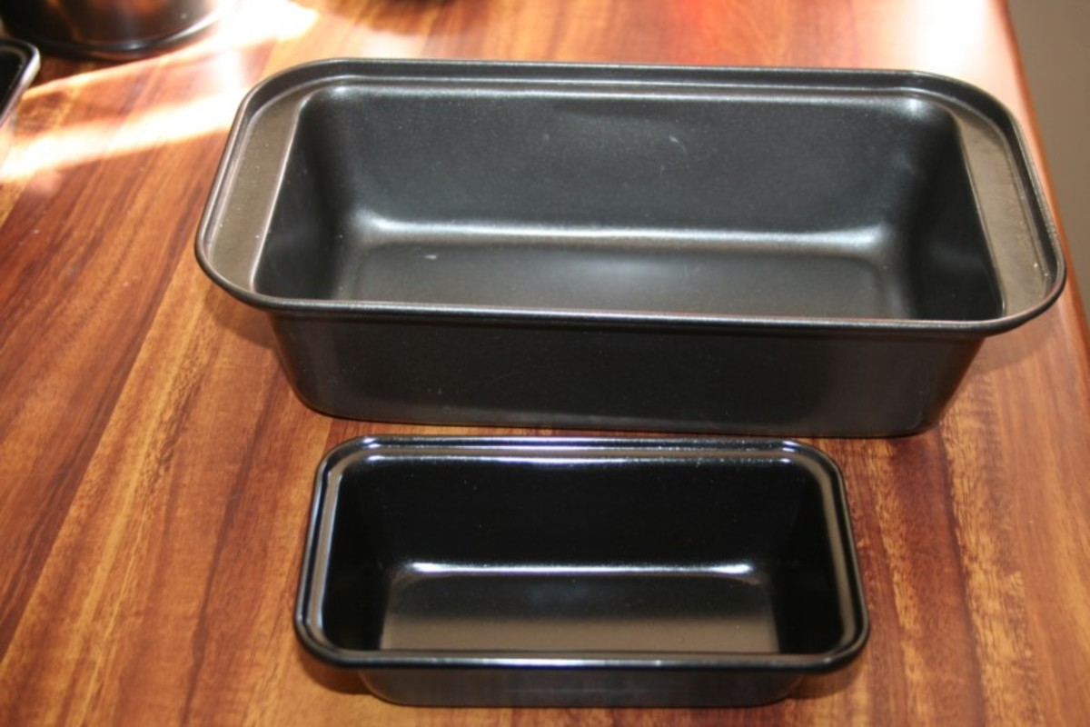 My new tiny bread pans will bake small loaves of bread in a fraction of the time, so they're great for solar cooking.