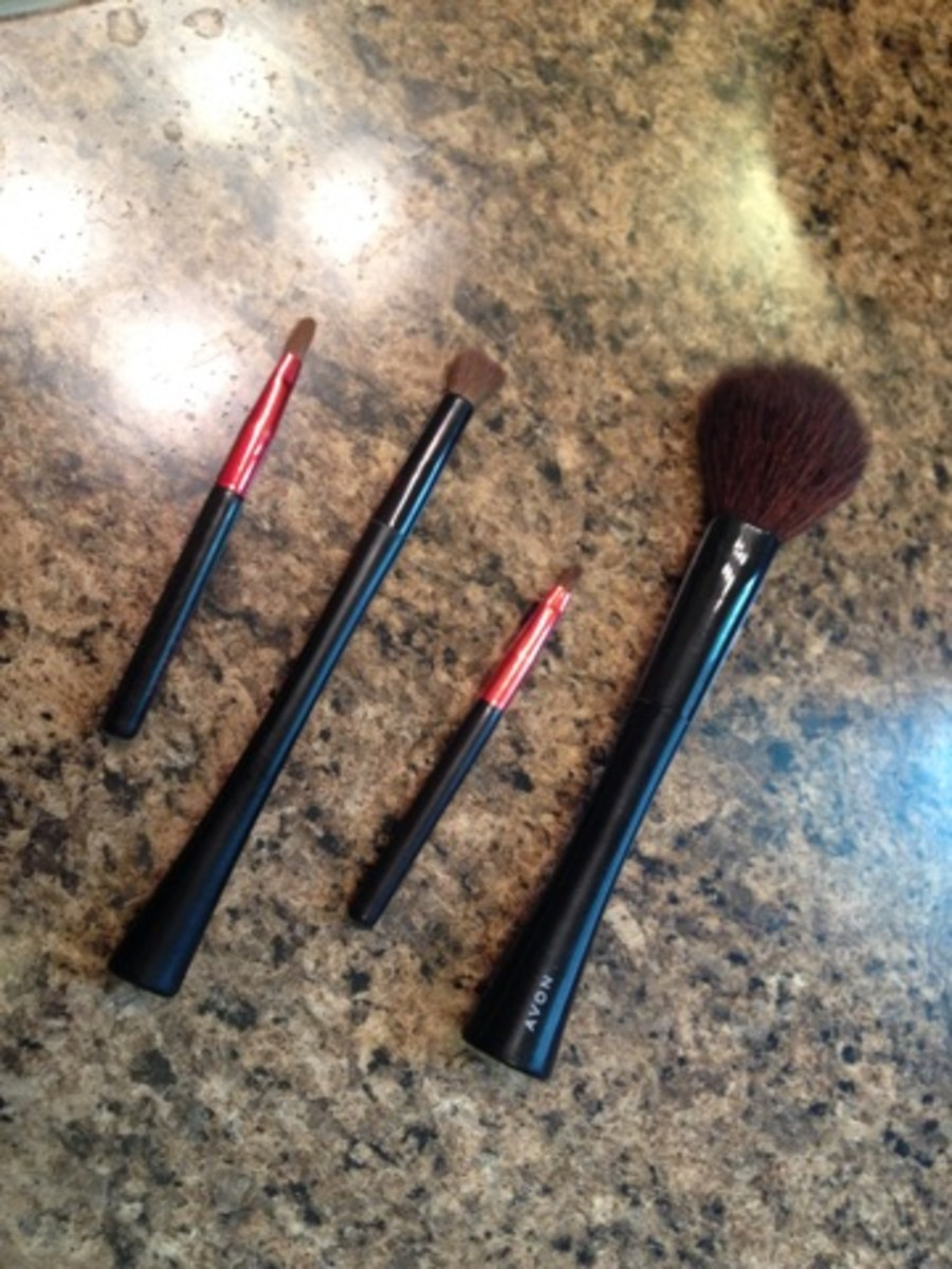 how-to-clean-make-up-brushes-effectively