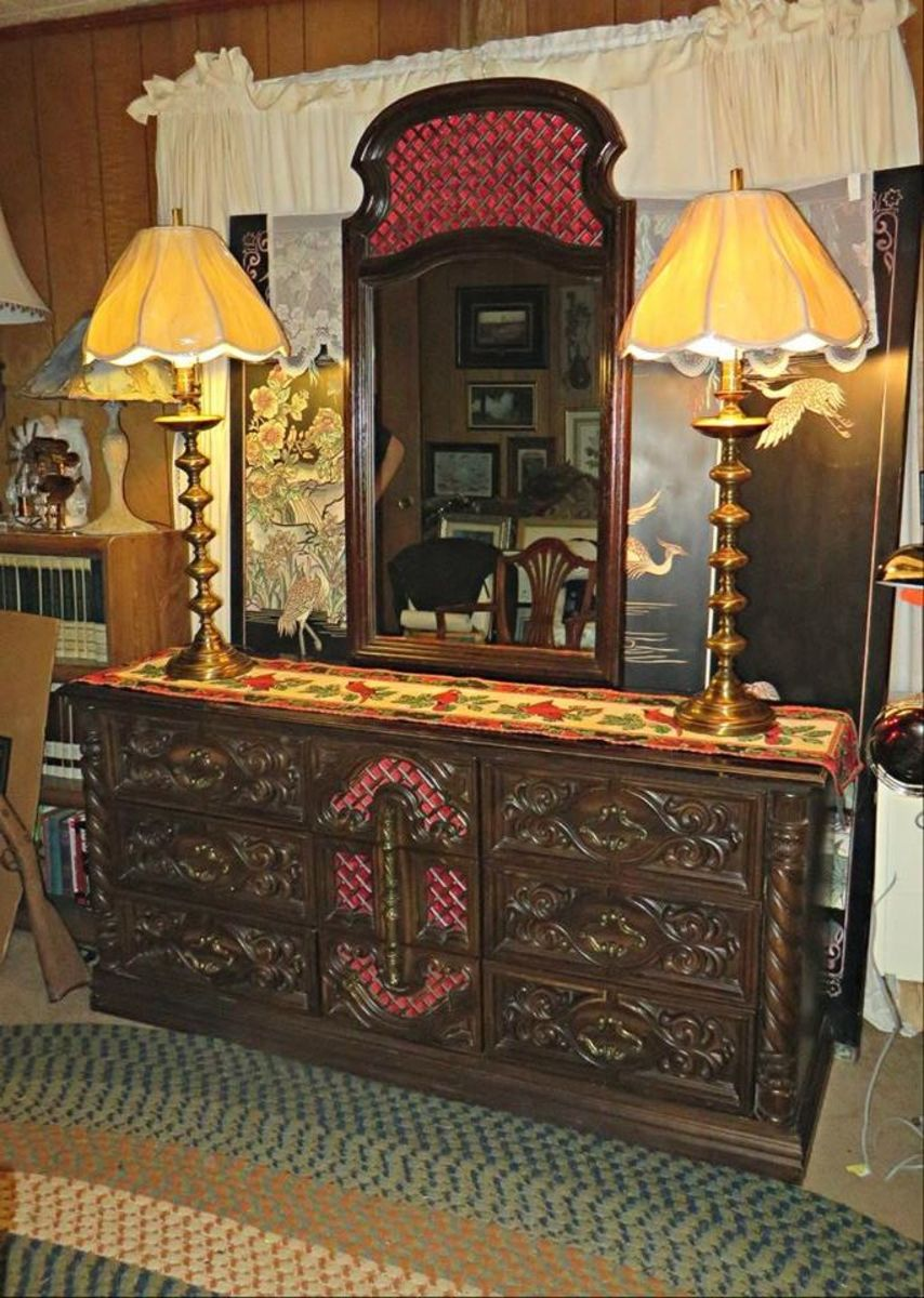 This Mediterranean style 1970s dresser belong to Jack Lord, his wife Marie de Narde sold it along with the rest of the bedroom suit in the early 1970s to my Grandfather who at the time had a Honolulu condominium on Kahala Avenue near the Lord's home.