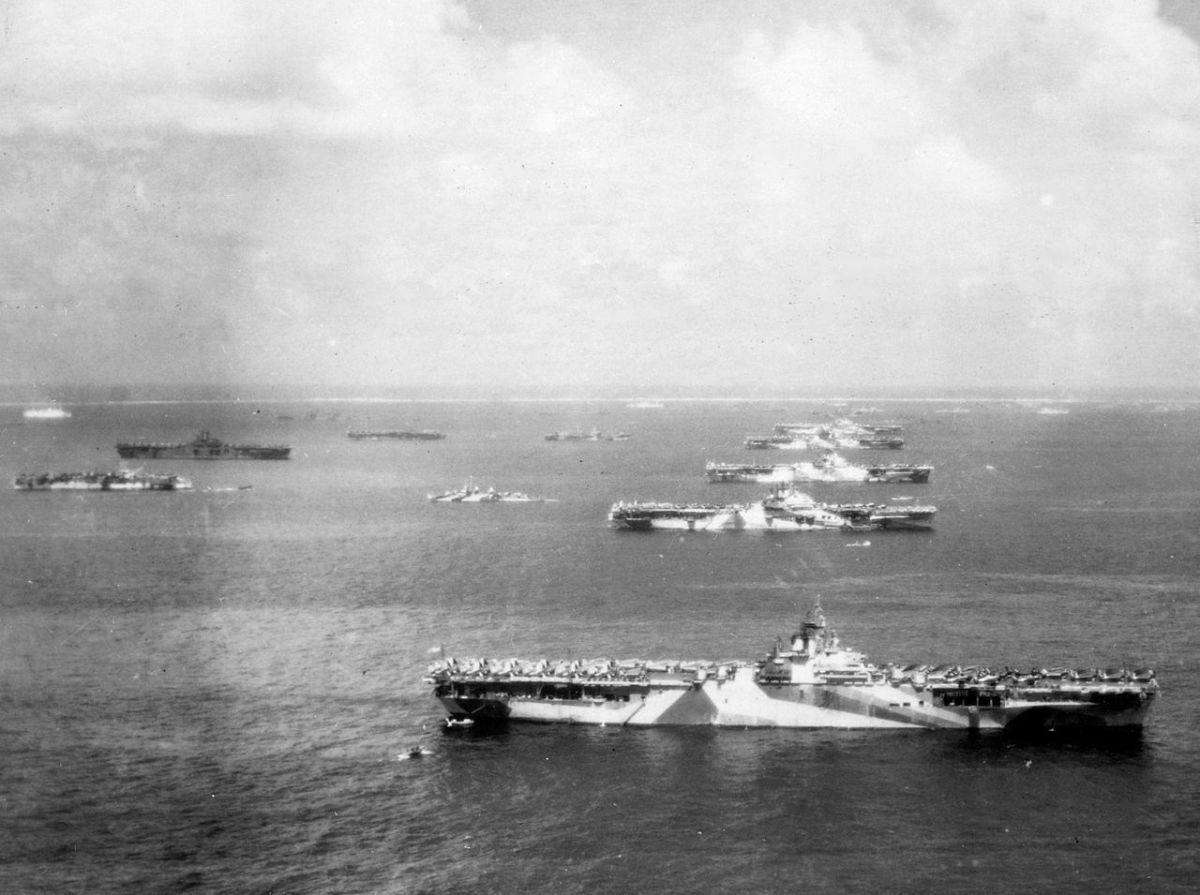 Murders row 5 aircraft carriers of Task Force 58