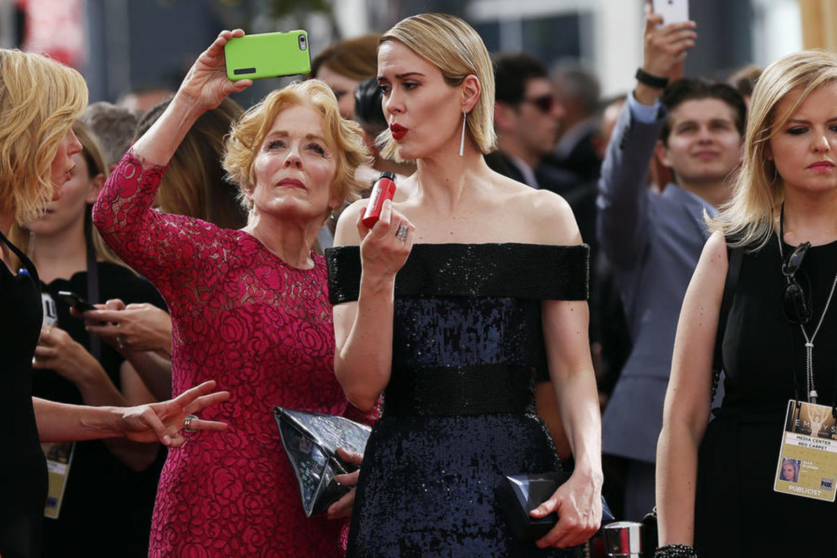 love-is-trending-thanks-to-sarah-paulson-and-holland-taylor