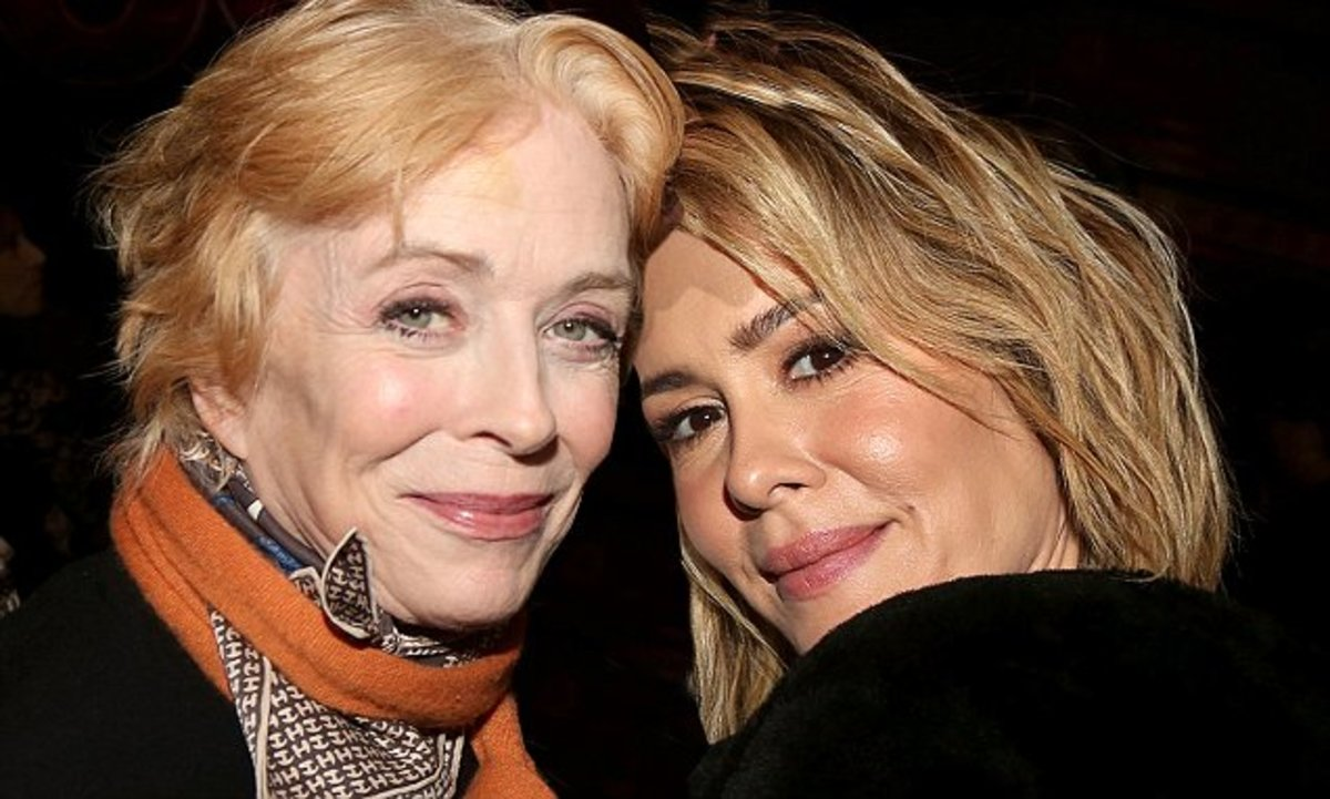Love Is TRENDING, Thanks To Sarah Paulson And Holland Taylor