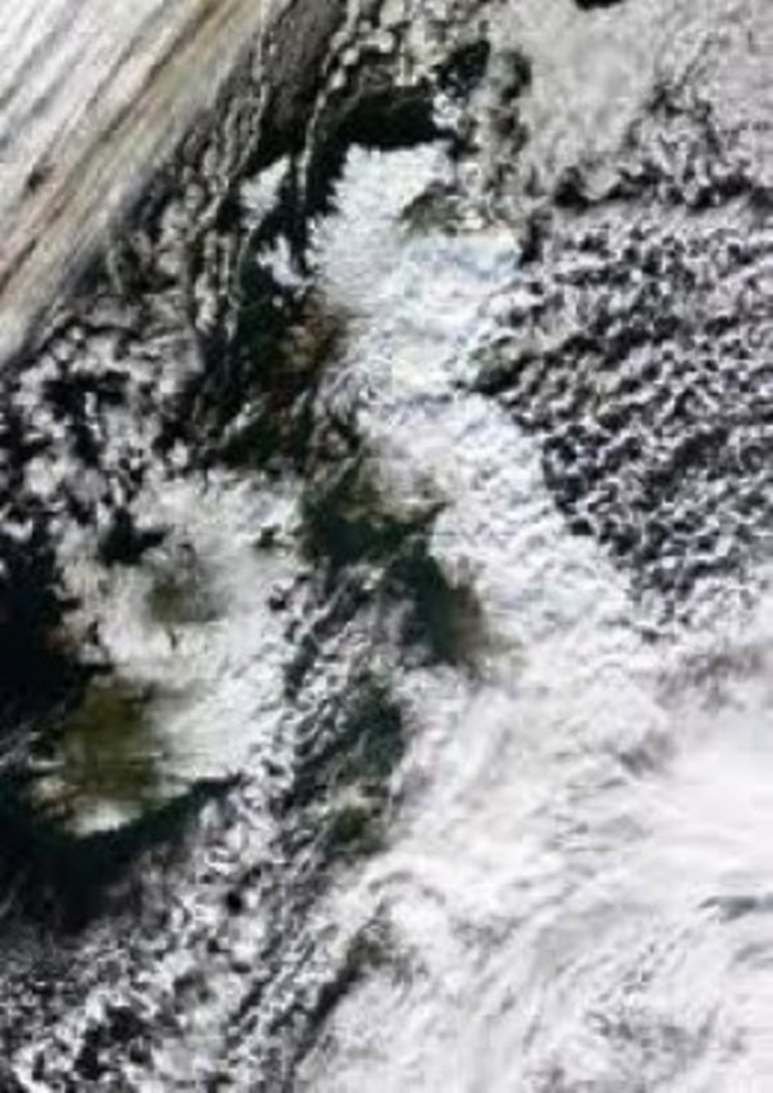 The cold front edged down from the Arctic, suppressed by the Gulf Stream around the western coasts of the British Isles, bringing extensive snowfalls pushed by gales before freezing overnight under clear skies. Snow clearing became hard graft