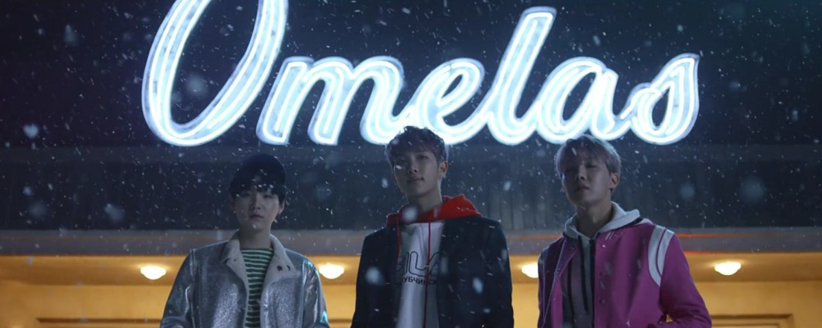 RM, Suga and J-Hope in front of Omelas.