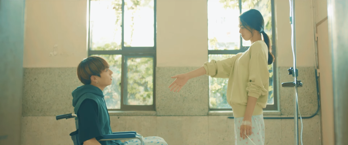 Jungkook meeting another patient in the hospital.