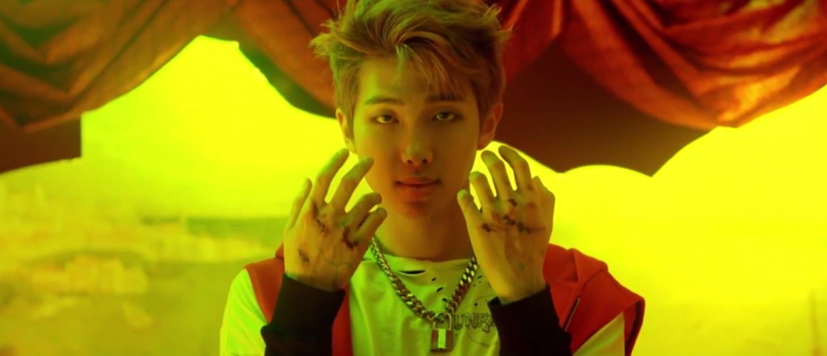Scars and wounds on RM's hands.