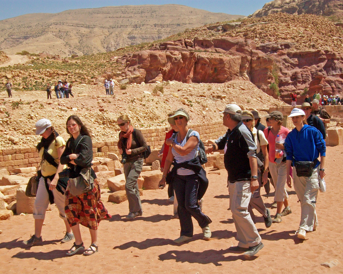 Indian Tourist Guide: a mediator of cultures