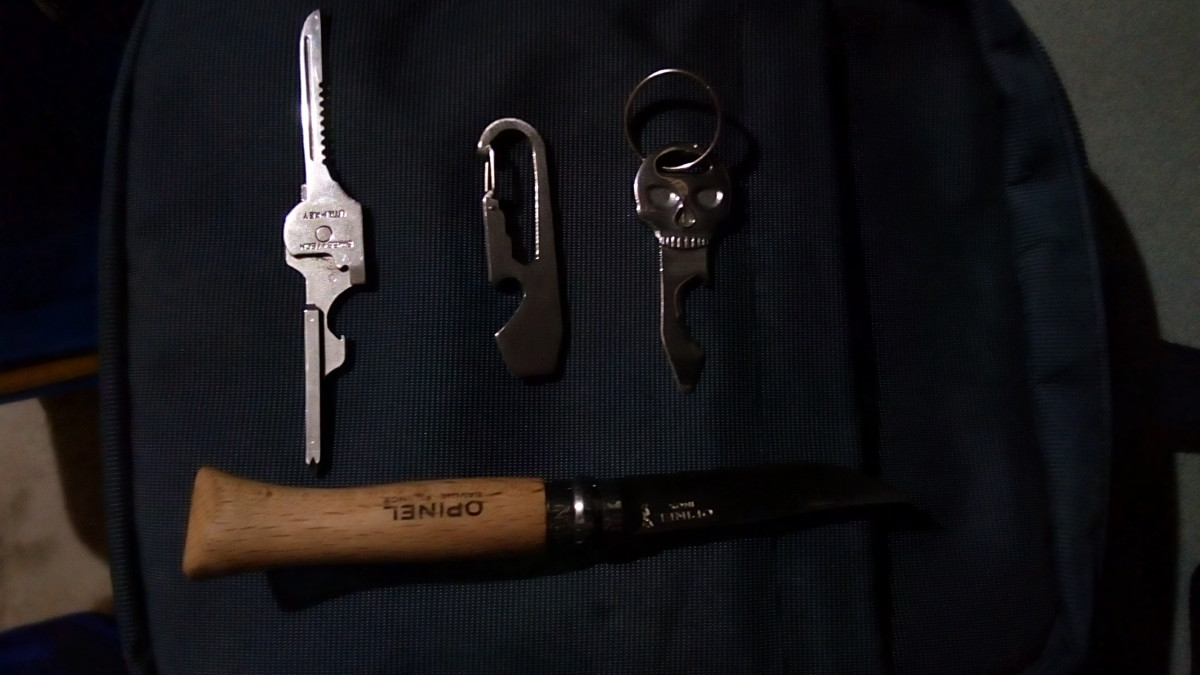 How Owning a Keychain Tool Could Save Your Knife's Blade