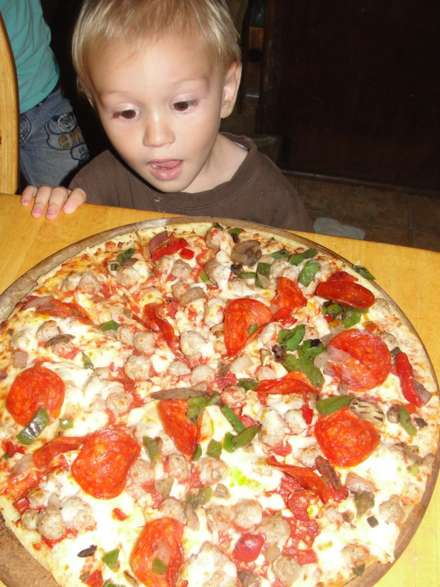 Five (or Six) Kingdom Supreme pizza is one of the activities we did this week while learning more about the science sentence. You can see the books we read & more of the activities at the above link.