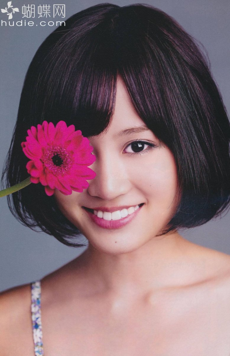 Reasons Why Singer Atsuko Maeda Is Important to the Japanese Pop Music Industry