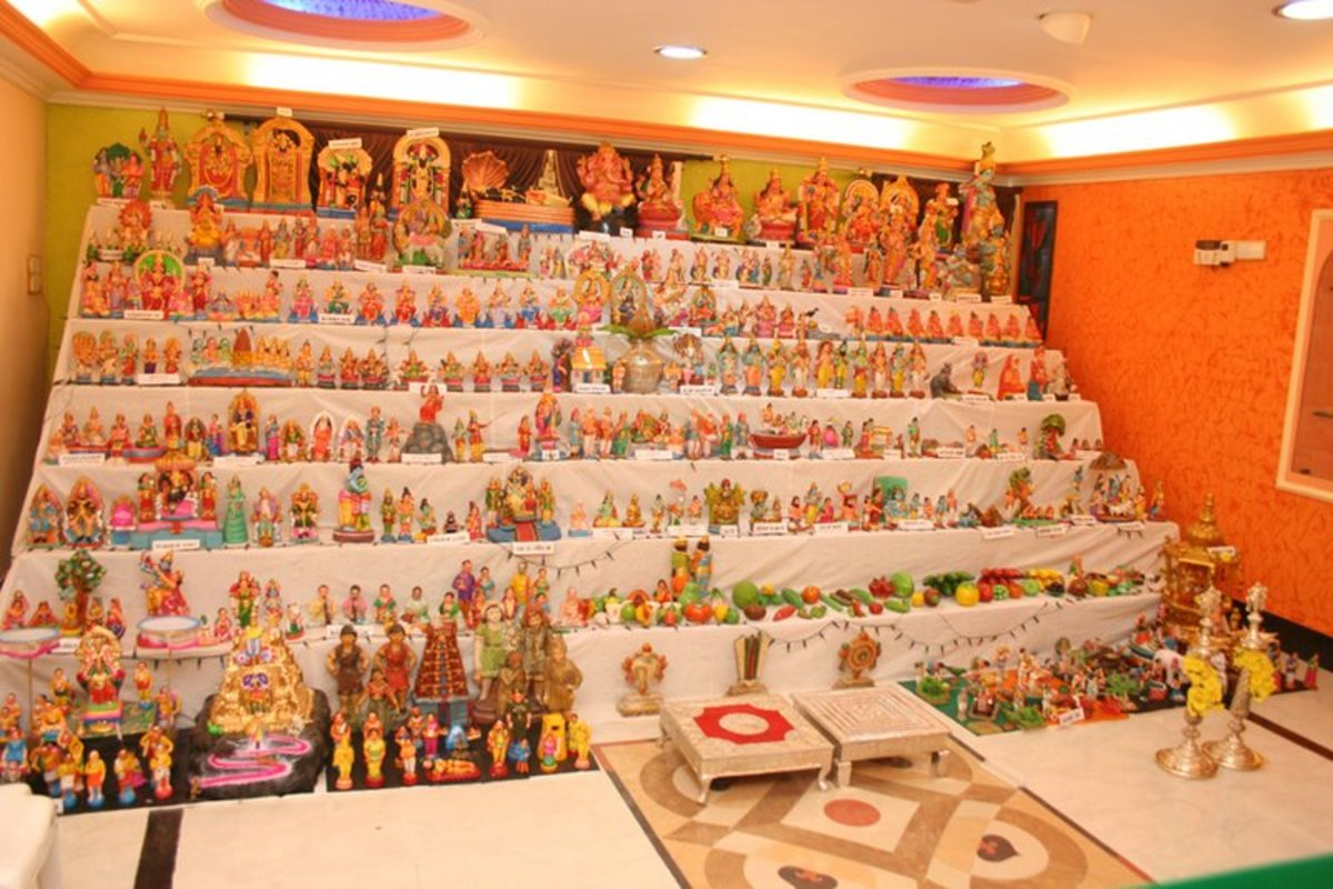 An elaborate Bommala Koluvu/dolls display