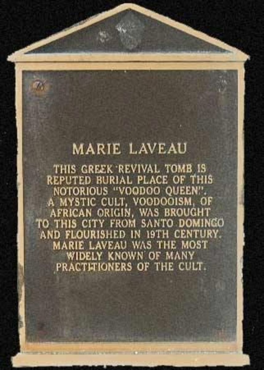 Inscription on Marie Laveau's Tomb