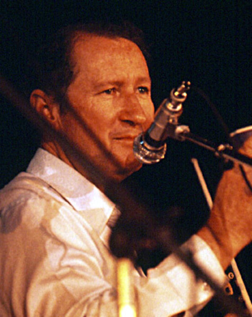 Dewey Balfa sur scène à l'Alhambra de Bordeaux