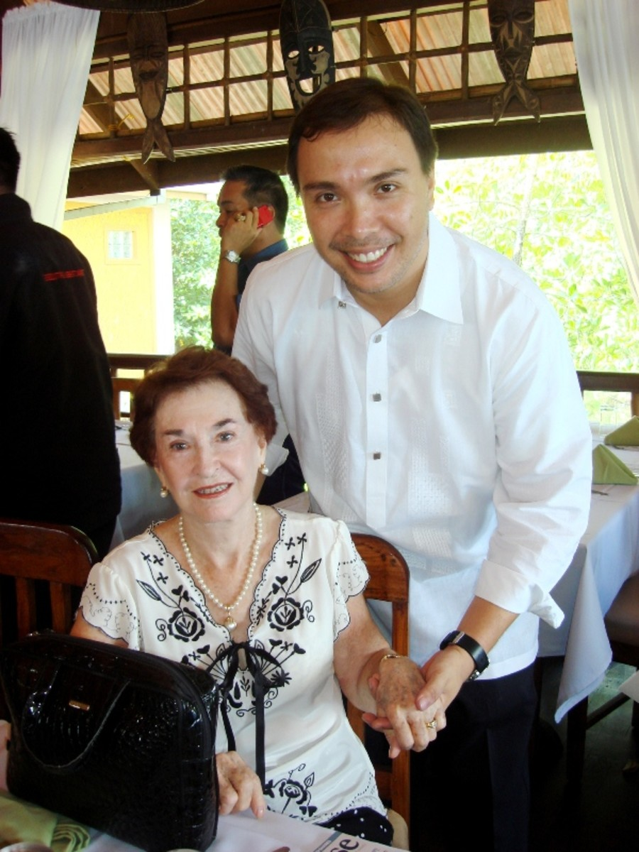 Helen Limjoco with Palawan Governor Baham Mitra at Badjao Seafront Restaurant
