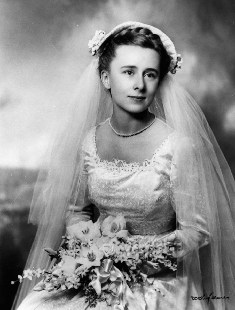 A 1950s bridal veil