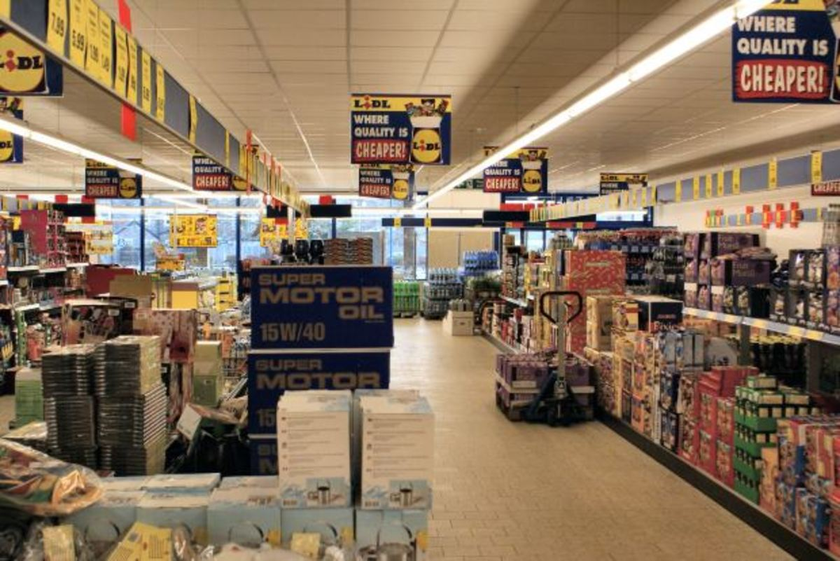 Cut-rate or discount grocery store.