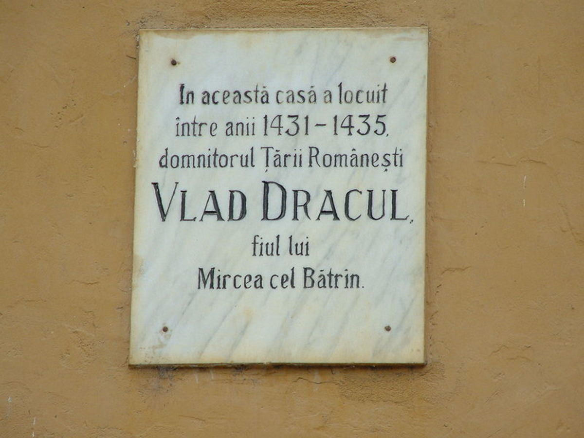 A plague showing the very house where Vlad the Impaler was born.