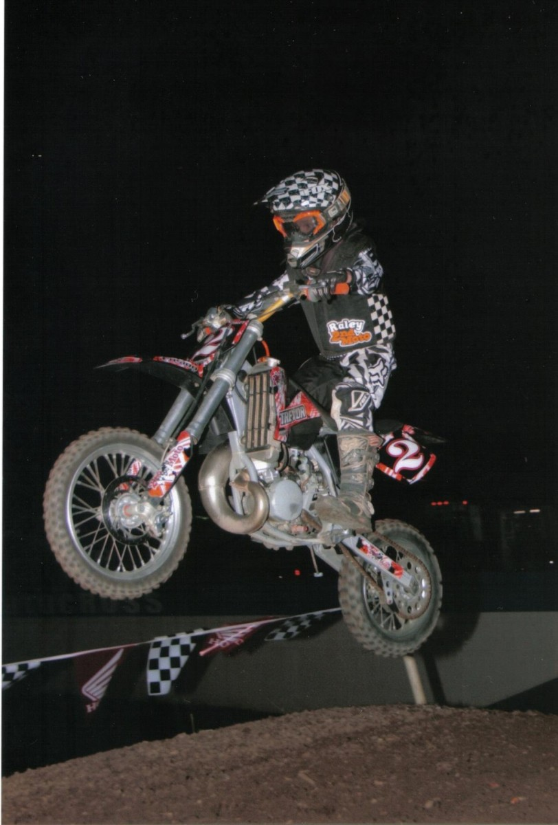 2MV Vest and EVS RC Evolution in Action. Rider sponsored by 2ndMoto LLC, www.2ndmoto.biz
