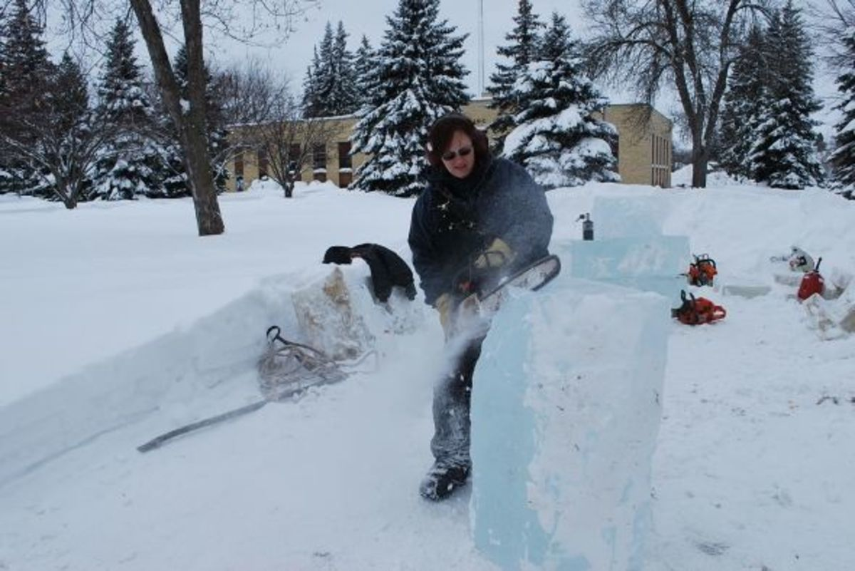 New to the events this year, ice carvings, using blocks of ice harvested from Rainy Lake.