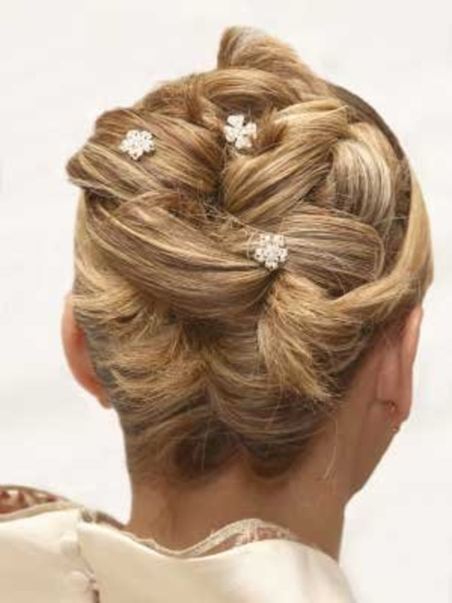 how-to-style-easy-updos-for-every-hair-type