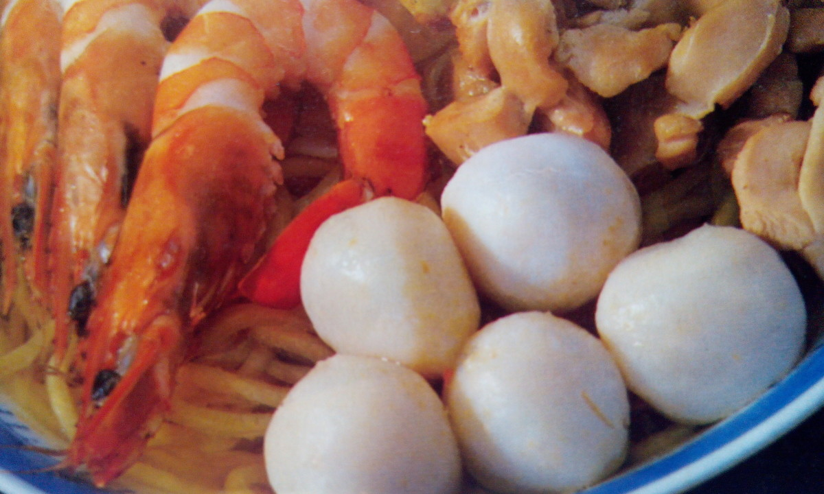 Fish balls, prawns are best side ingredients for Noodle Soup